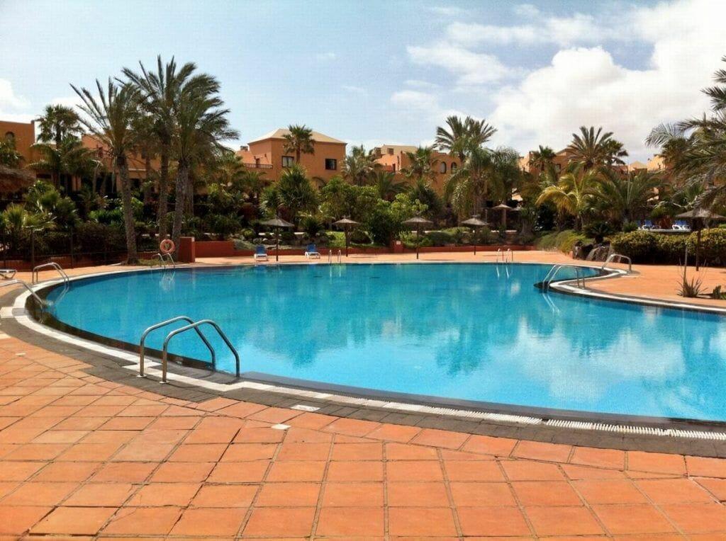 oasis tamarindo, fuerteventura, piscinas