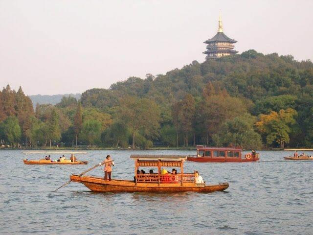 Lago del oeste China