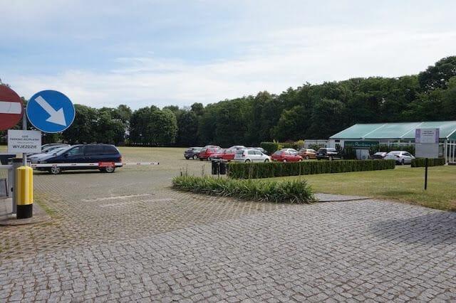 aparcamiento del palacio de Kozłówka