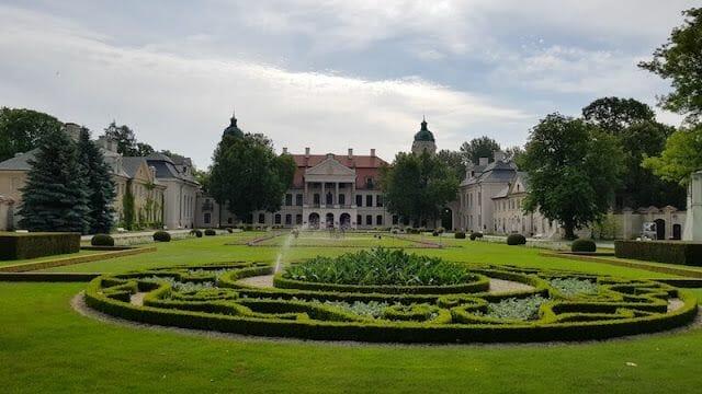 fachada del palacio de Kozłówka