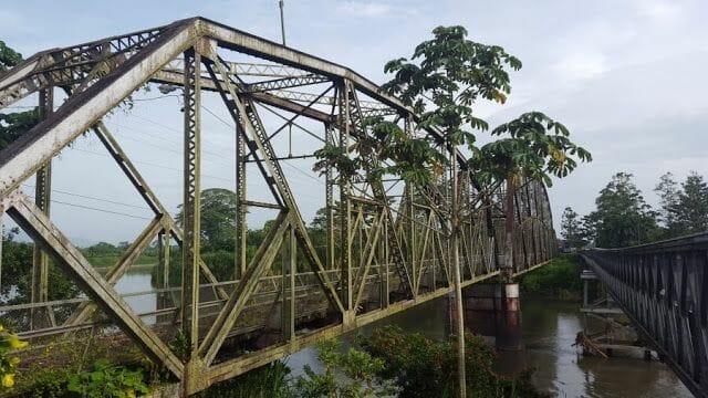 Puente - Cruzar la frontera de Costa Rica a Panamá por Sixaola Guabito