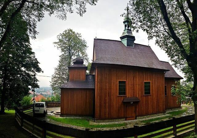 iglesia de madera del pueblo de Wieliczka