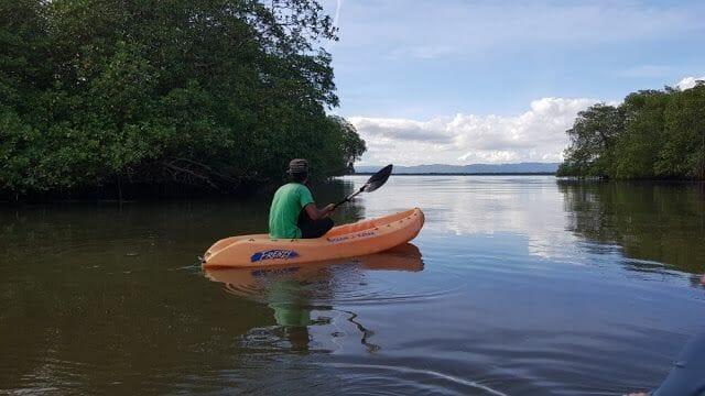 Canoa el tramo del río Jivales - Parque Nacional de los Haitises
