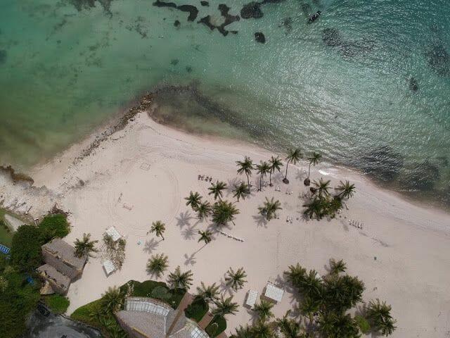 Playa Blanca drone desde el aire picado