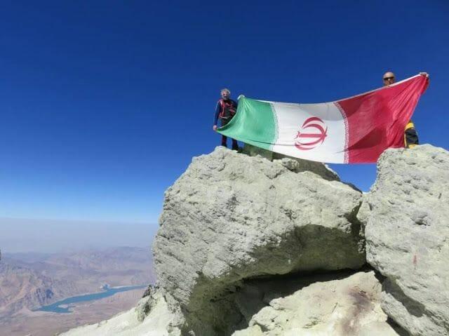 Ascenso al Damavand, en Irán, el volcán más alto de Asia