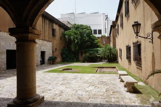 patio interior museo casas reales santo Domingo