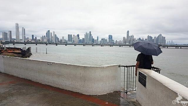 panama lluvia paraguas