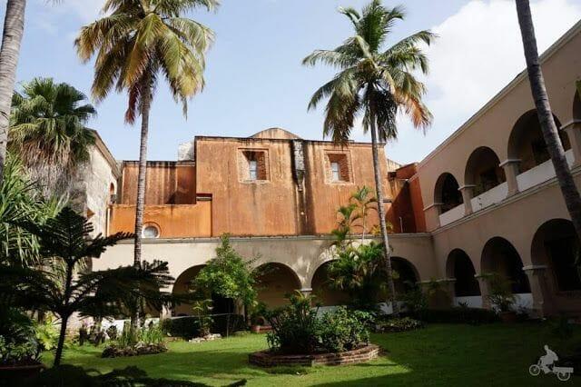 CLAUSTRO Convento Santo Domingo de los Dominicos
