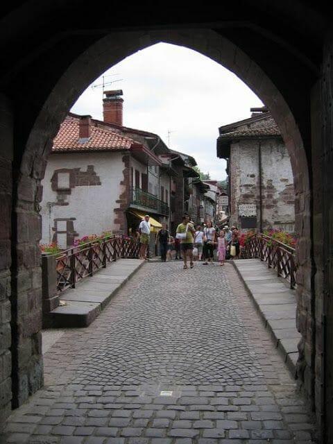 Saint Jean Pied de Port puente empedrado
