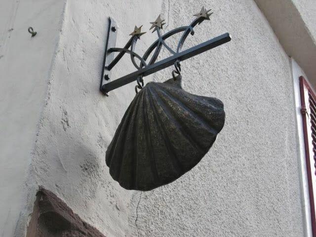 Saint Jean Pied de Port concha de santiago
