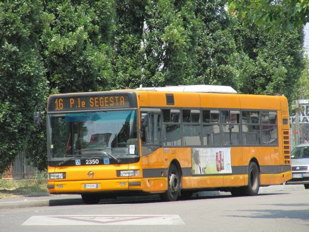 autobús 16 de Milán