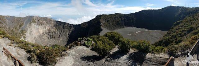 2 crateres volcan irazu sin laguna