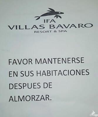 letrero instrucciones huracan en resort