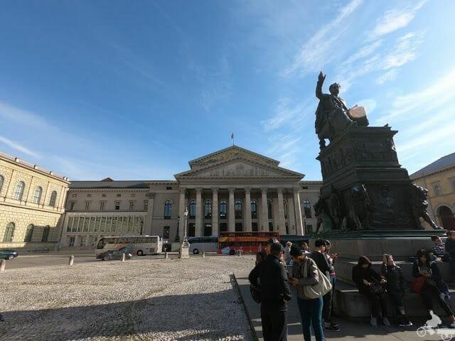 Teatro Nacional u opera munich