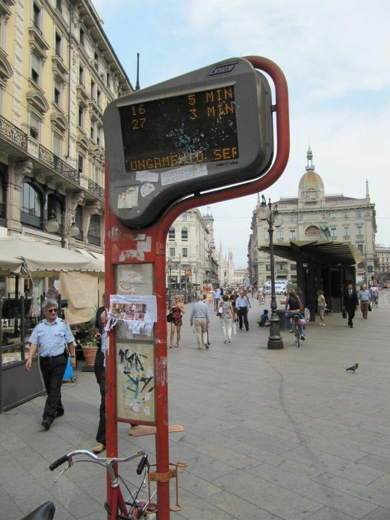 parada bus milán