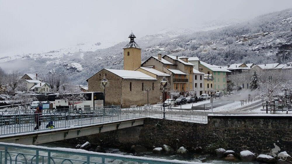 pueblo y río de Ax-les-thermes