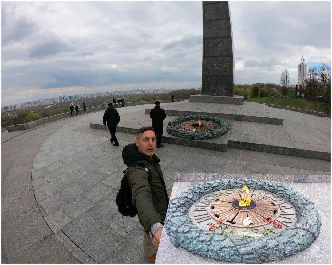 monumento soldado desconocido Kiev