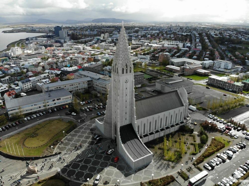 iglesia más alta de Islandia