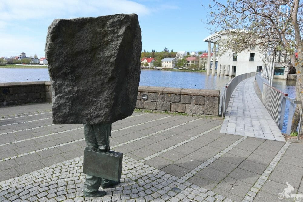 monumento burocrata reikiavik