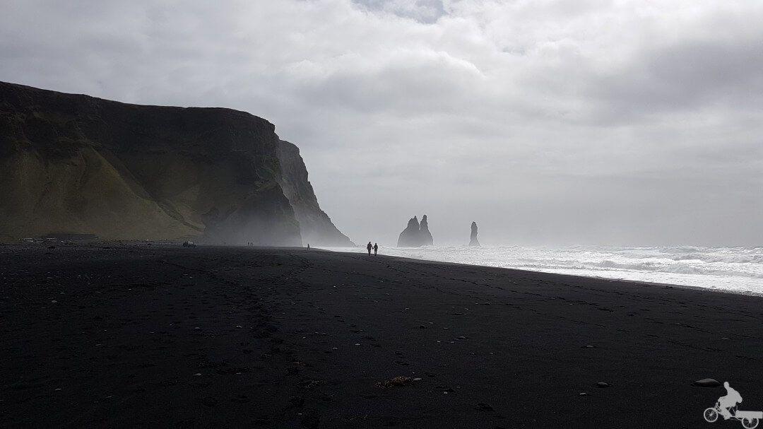 vistas rocas reynisfjara