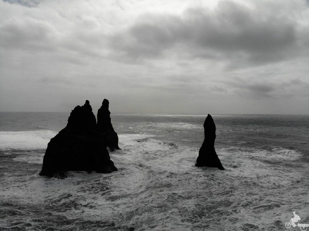 islotes reynisdrangar