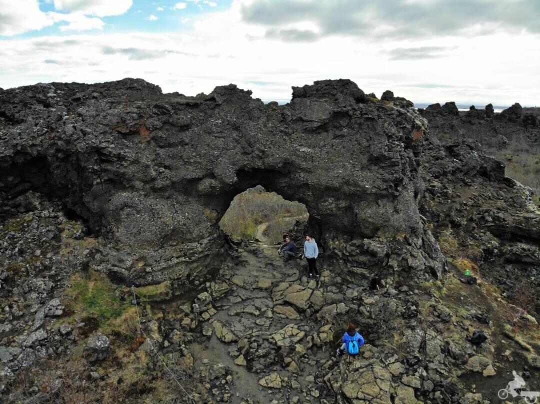 Dimmuborgir roca agujero