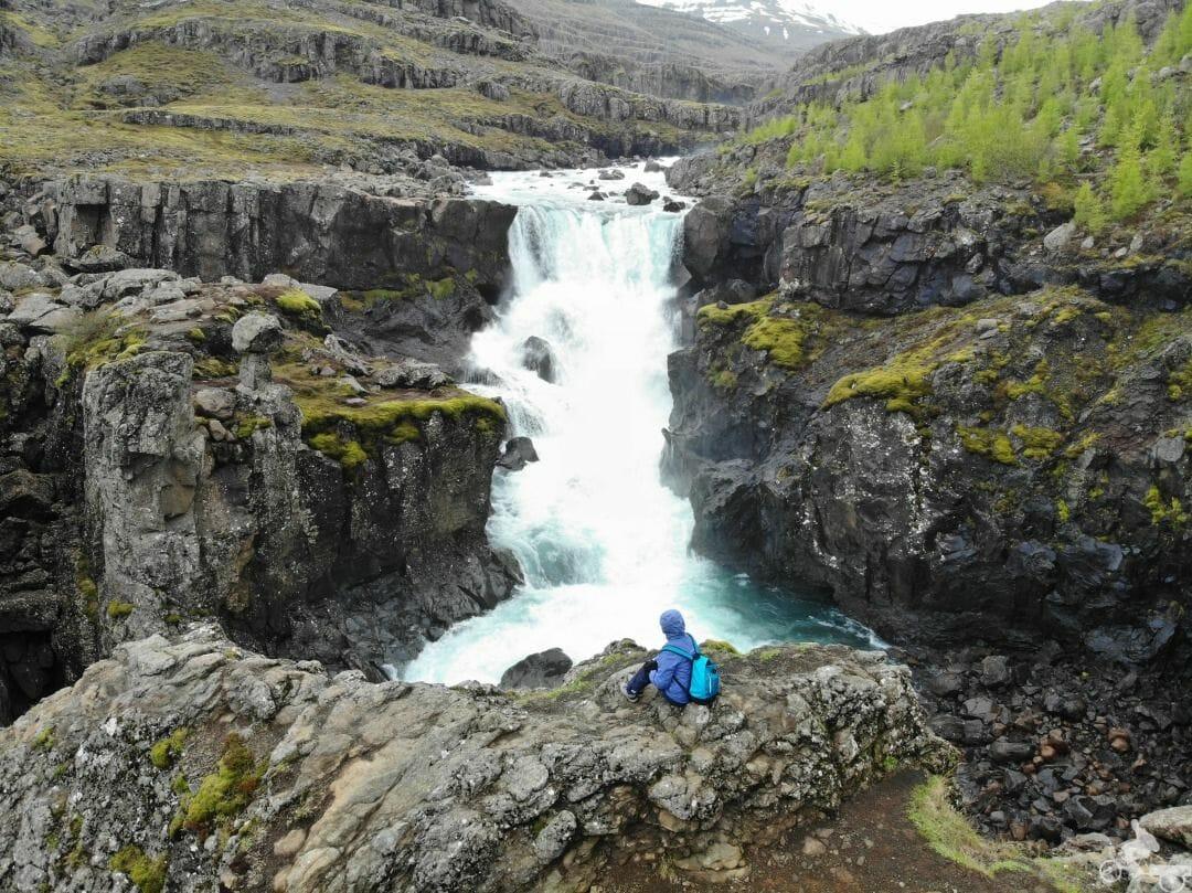 Sveinsstekksfoss falls