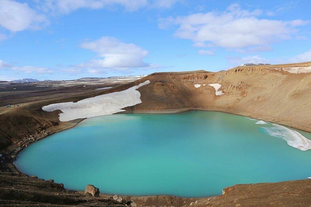 crater Viti desde el sendero