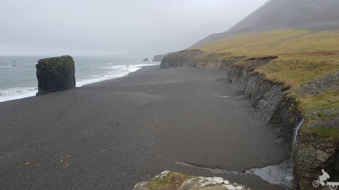 playa fiordos islandia este