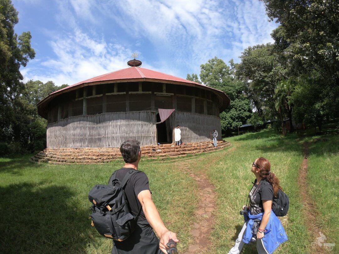 Monasterio Ura Kidane Mere lago tana