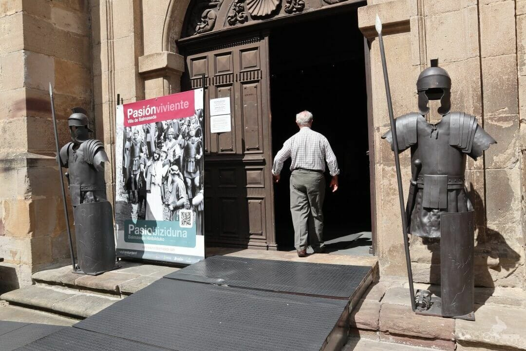 entrada monasterio de Santa Clara de Balmaseda
