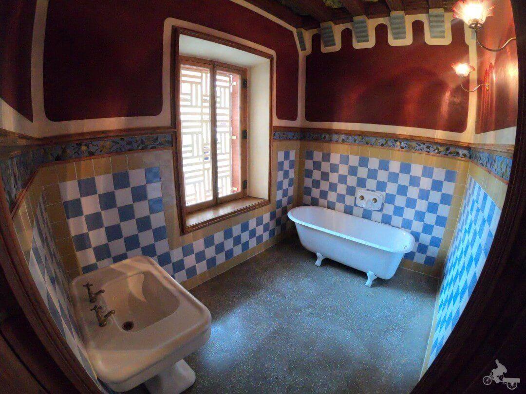 baño casa vicens