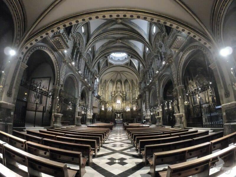 interior basilica montserrat