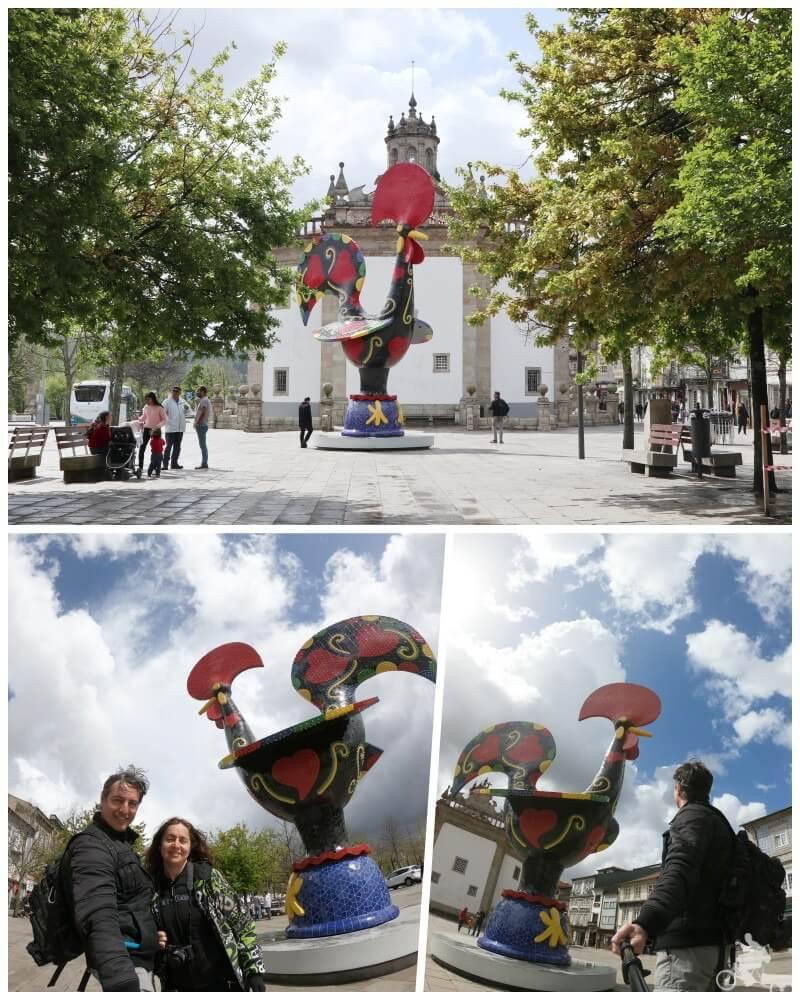 escultura gigante del gallo de barcelos