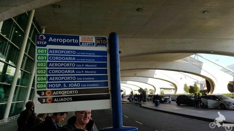 lineas de bus en el aeropuerto de oporto