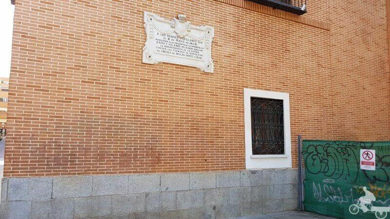 memorial 2 de mayo en la plaza