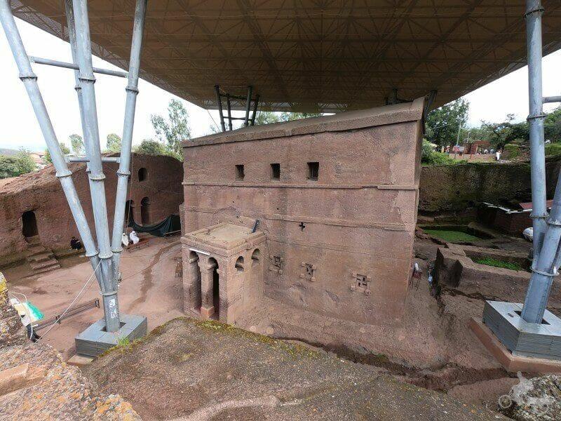 portico exento Bet Maryam iglesia lalibela etiopia