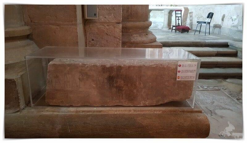 Piedra votiva fundacional se velha coimbra