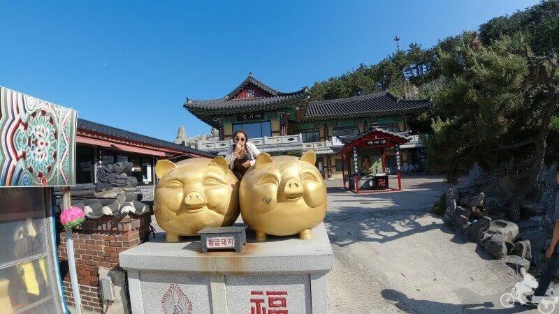 cerdos dorados templo haedong yonggungsa