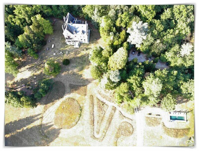 jardin - castillo La Thuilière - drone