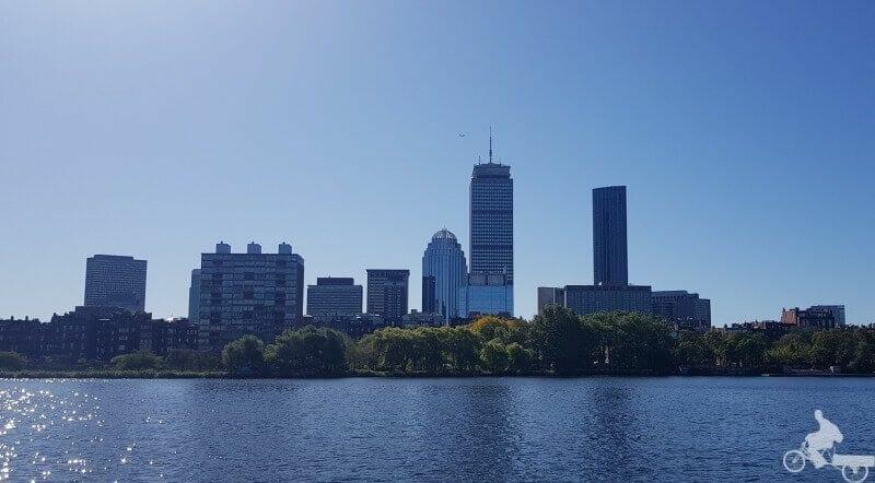 prudential tower desde el rio charles