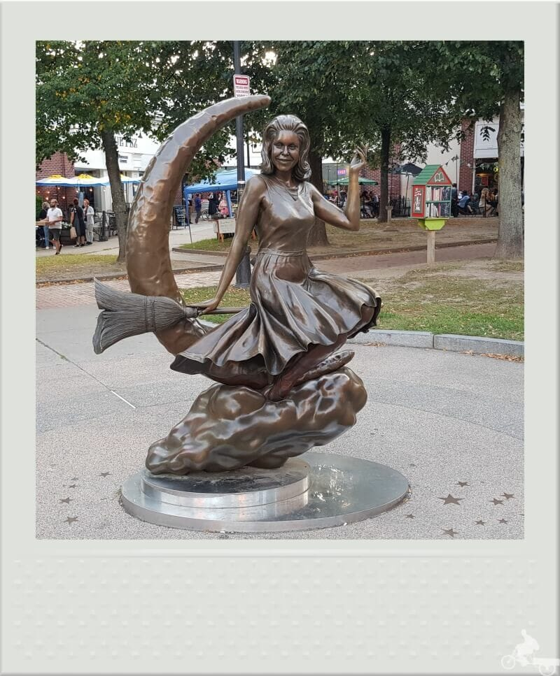 Estatua de Samantha Stevens -Salem