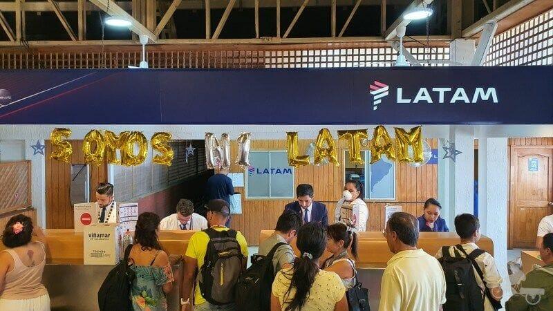 latam isla pascua aeropuerto