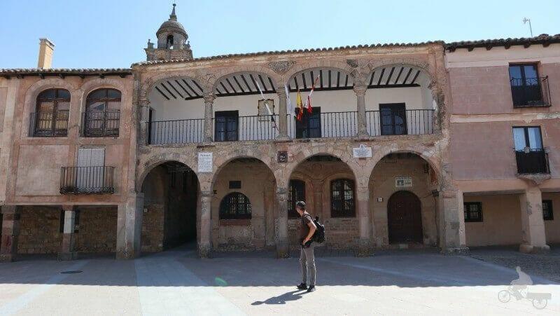 Alhondiga que ver en Medinaceli