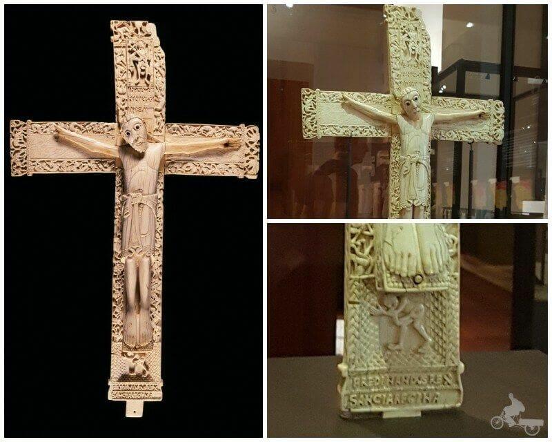 Crucifijo de Don Fernando y Doña Sancha - museo Arqueológico Nacional