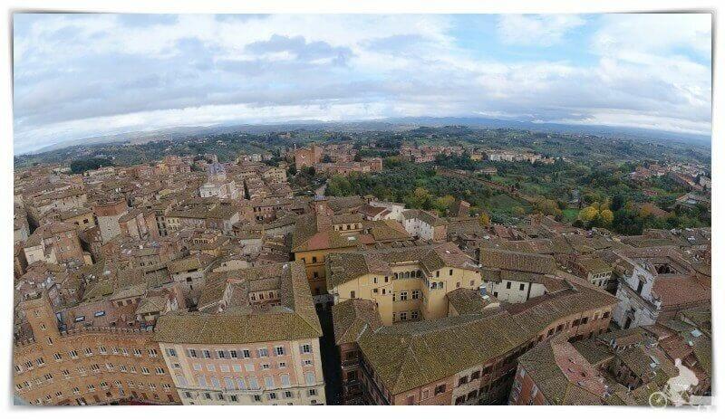 vistas al este desde la Torre del Mangia