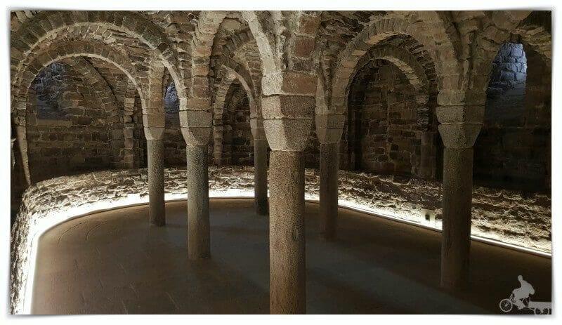 cripta colegiata de San Vicente de Cardona