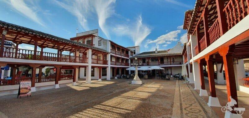 plaza mayor de Puerto Lápice