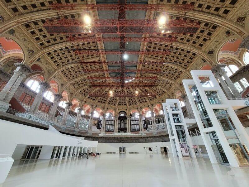 Sala Oval del MNAC Palau Nacional Catalunya en Barcelona - Mejores obras del MNAC