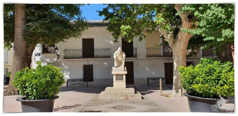 plaza de Alonso Quijano